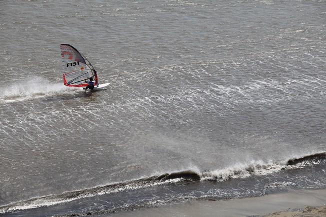 Le windsurf fait de la résistance !