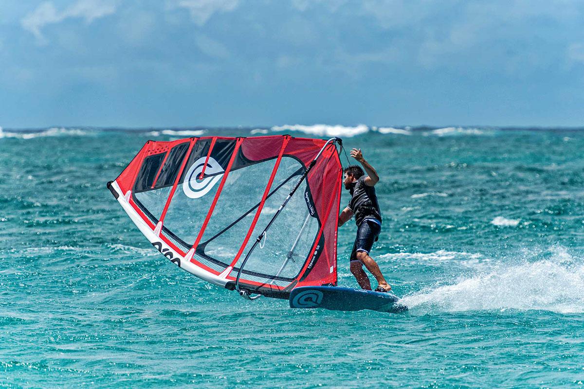 Goya Windsurfing - Volar vs Carrera