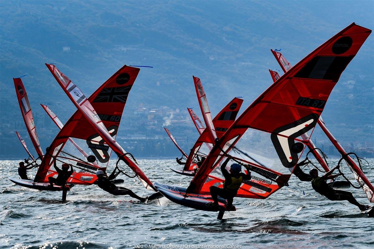 Les Frenchies Deja Aux Avant Postes Sur Le Lac De Garde Windsurf Journal 21 10 2020