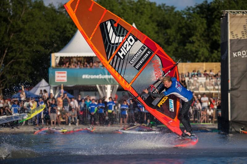EFPT Podersdorf : Début du freestyle tow-in