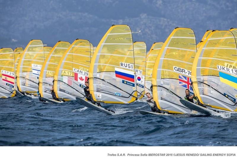 Trofeo Princesa Sofia : Du vent et 2 manches à Palma
