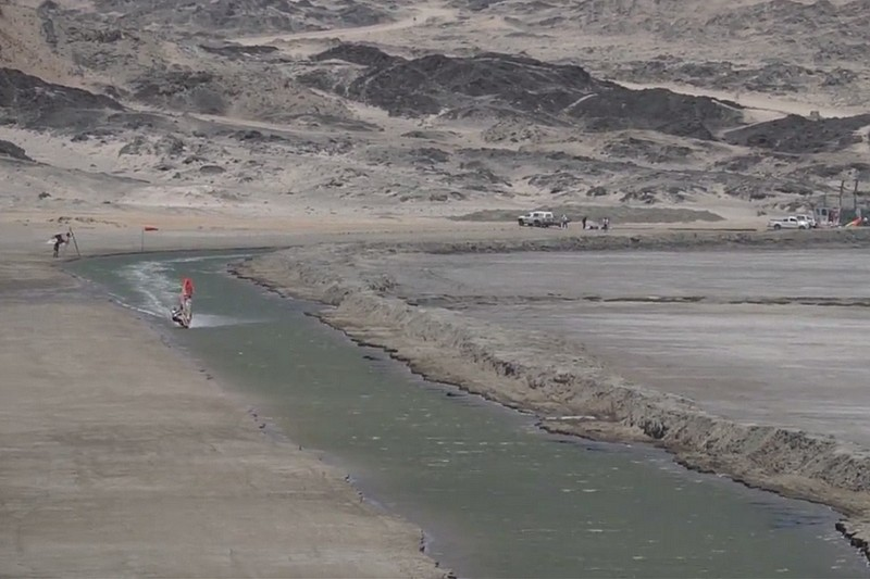 Lüderitz Speed Challenge : Björn Dunkerbeck sur le canal