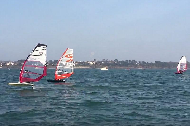 Vidéo : Du windsurf foil à Brest