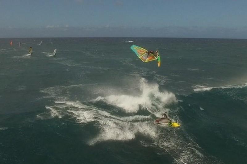 Vidéo : 1 drone et 2 double loops