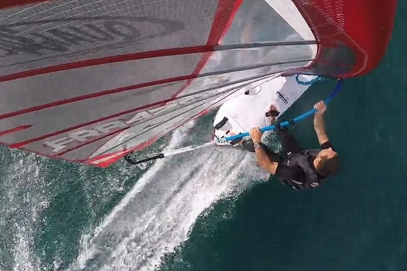 Vidéo : Session slalom entre potes à l'Almanarre