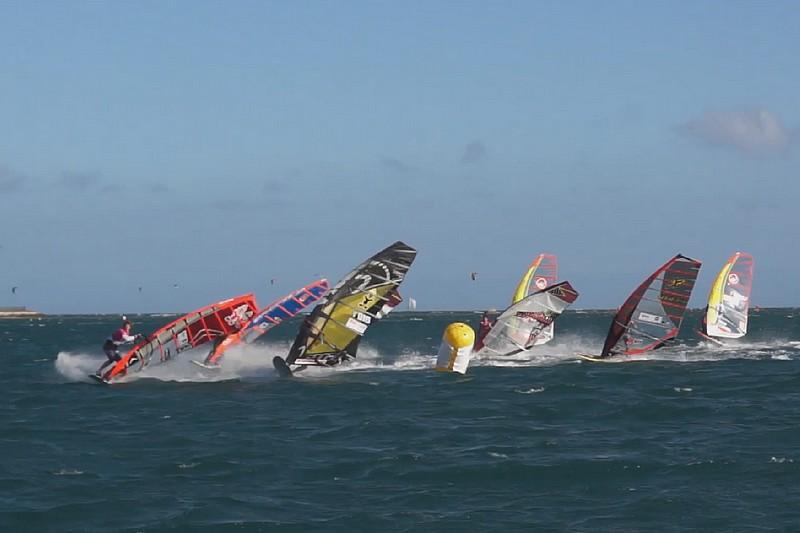 1 minute à Nouméa - 22 novembre 2014