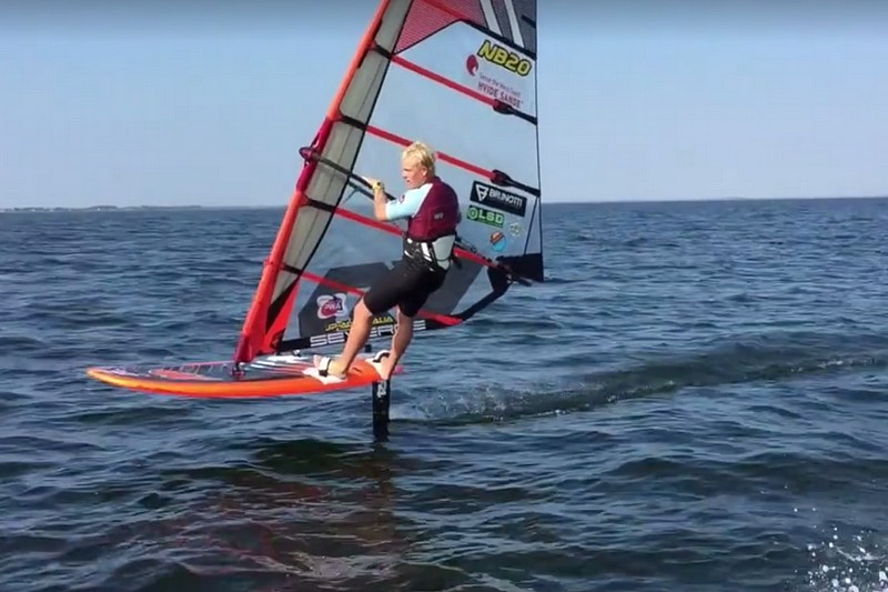 Amado Vrieswijk en windfoil