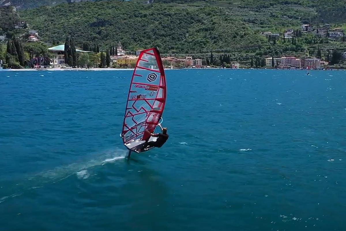 Bruno Martini en foil sur le lac de Garde