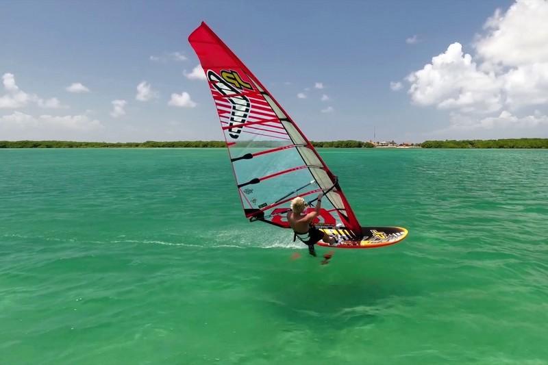 Bonaire, du windfoil et un drone