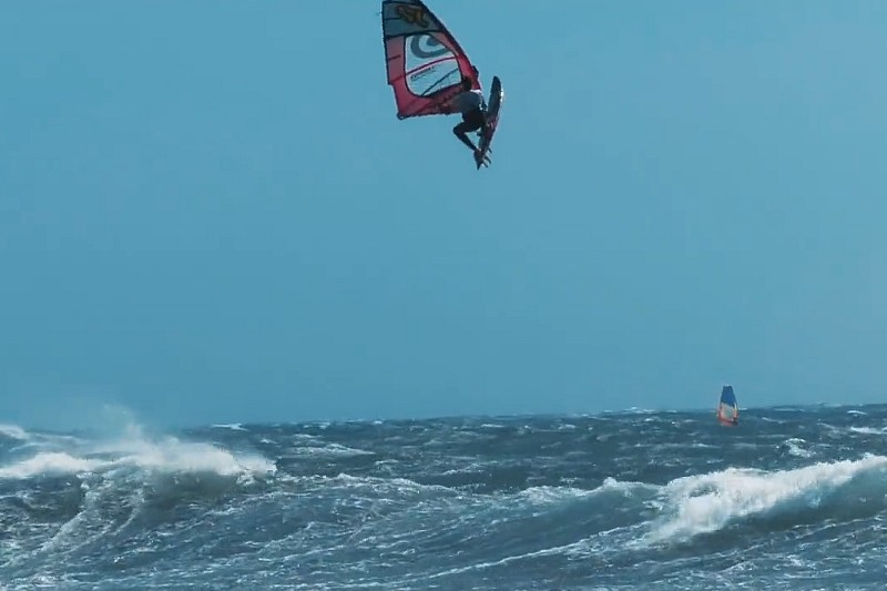 Starboard tack sessions. Miguel & Max.