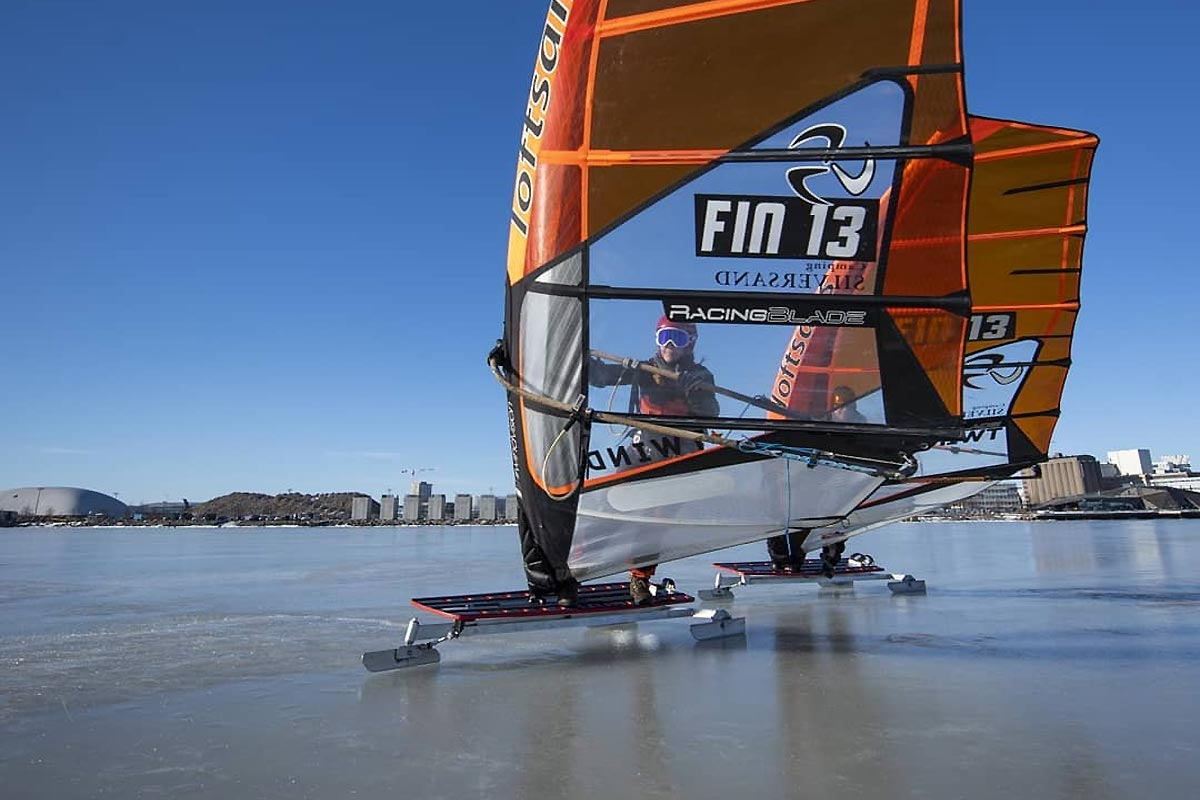 Du windsurf sur glace à Helsinki