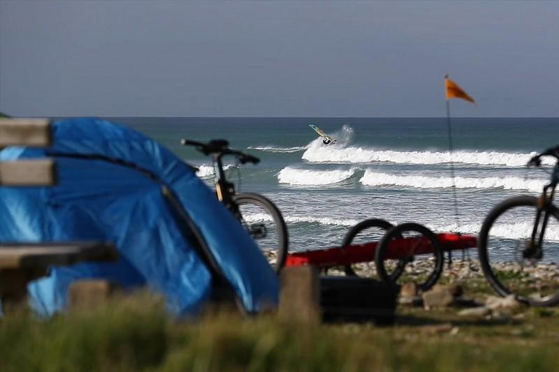 Un trip windsurf à vélo