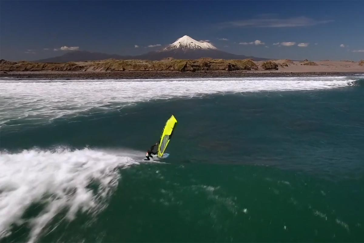 Taranaki Wave Windsurfing
