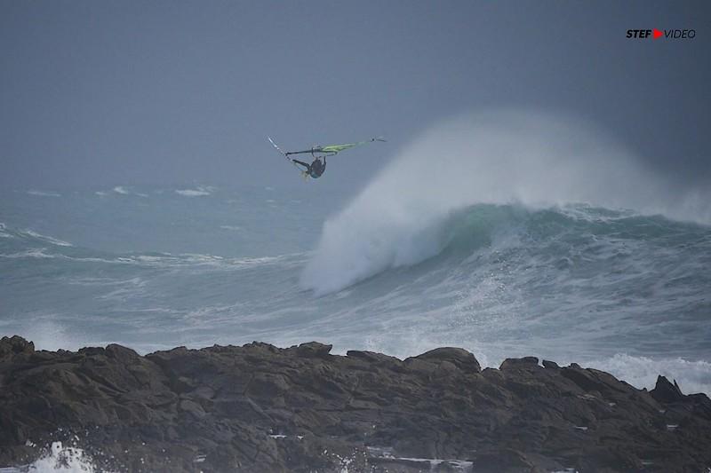 De Ouessant à Saint-Malo : Au coeur de la tempête