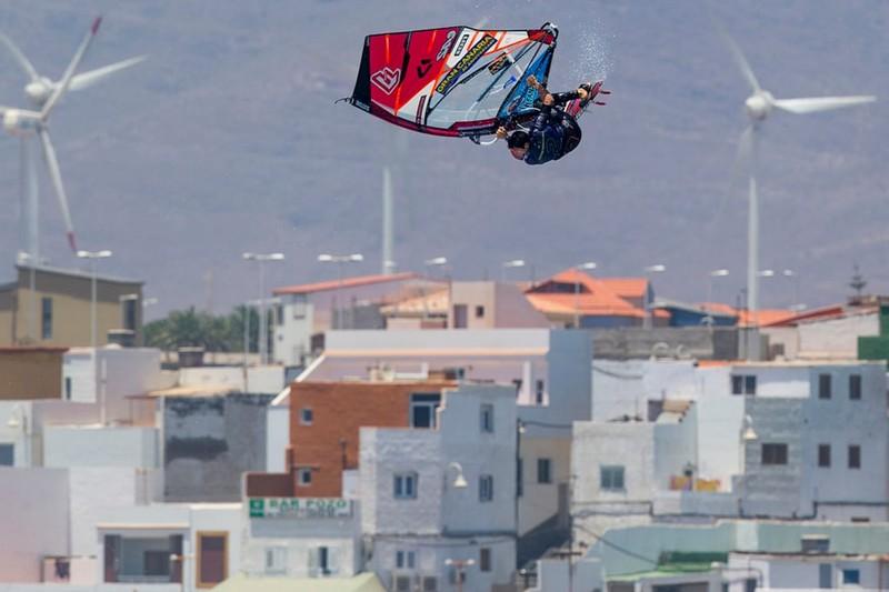 L'art du jump à Pozo par Victor Fernandez