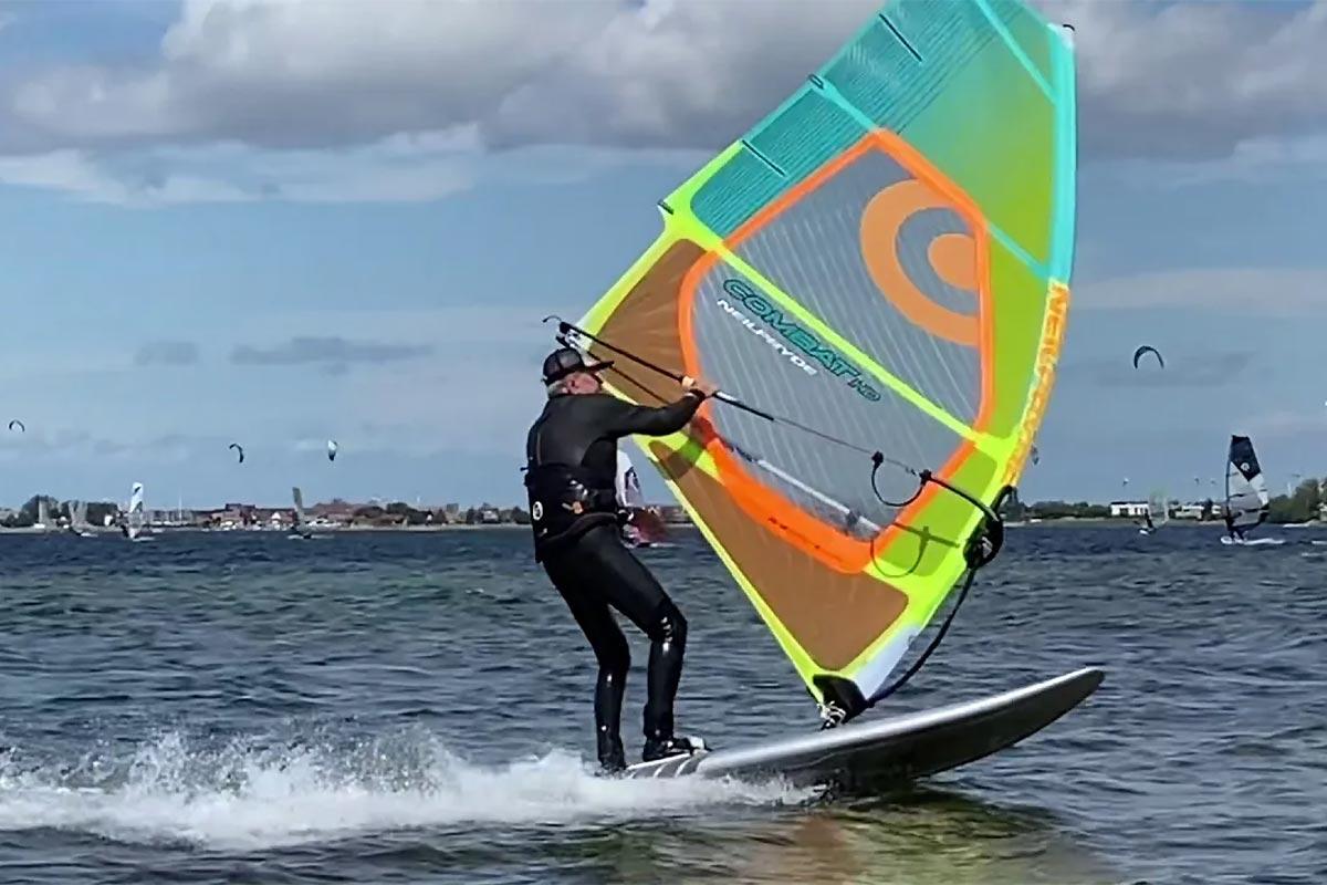 De retour au windsurf… à 80 ans !