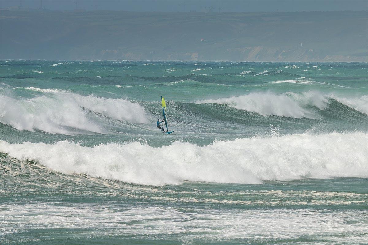 Yann Sorlut dans la tempête à Siouville